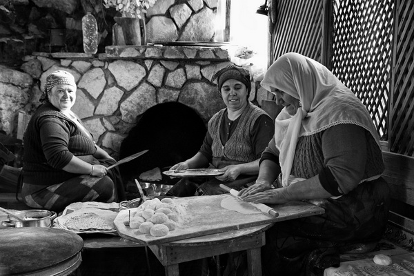 Pastry women