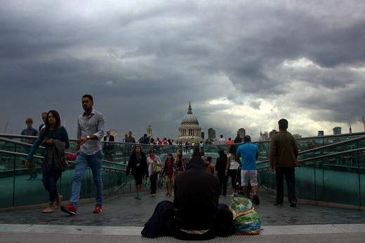 Those on the bridge, Londra 2014