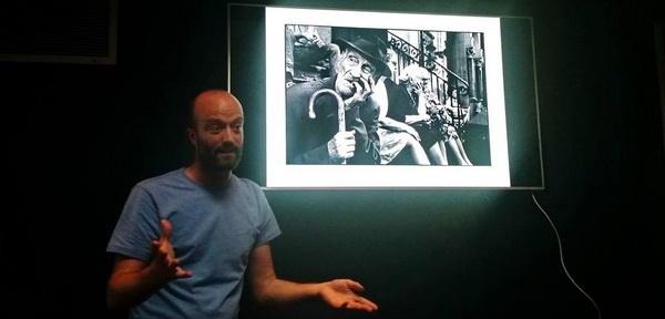 In-public Street Photography Workshop in London — Matt Stuart ile birlikte.