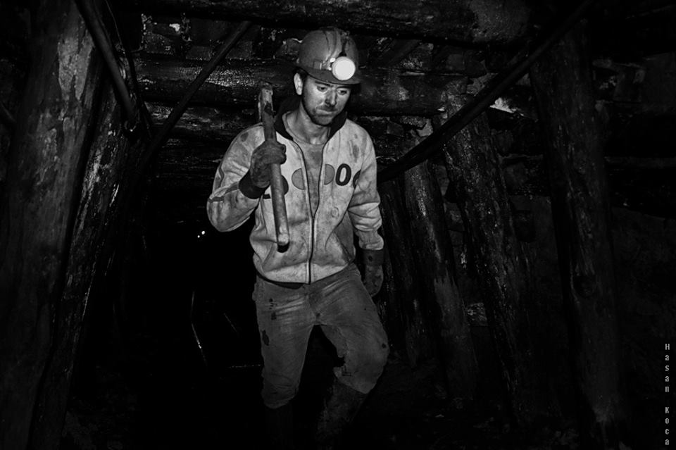 MINER Bosna Hersek'te yapılan FİAP patronajlı 2nd International Exhibition of Photography PHOTO EMOTION 2013 yarışmasında sergileme...
