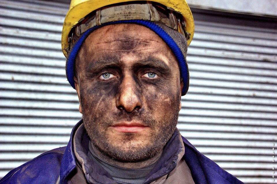 """MINER * Sırbistan'da yapılan FİAP patronajlı 2nd International Salon of Photography Portrait kategorisinde sergileme...  * İtalya'da yapılan FİAP patronajlı 17° Gran Tour delle Colline - 2013 yarışmasında sergileme...  * Sırbistan'daki """"CITY LIFE 2013"""" yarışmasında sergileme..."""